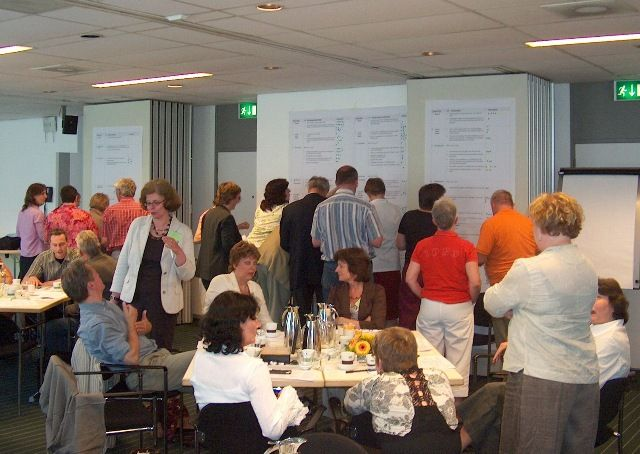 Facilitating real time development of a vision and strategy with stakeholders